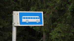 Busshållplatsskylt.