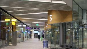 mattby bussterminal, utrymmet där passagerarna väntar på bussarna