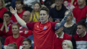 Andreas Rönnberg coachar sitt lag.