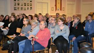 Bromarv- och Tenalabor kom för att delta i Raseborgs invånarmöte på Bygdegården i Tenala.
