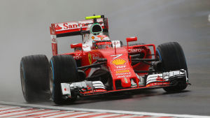 Kimi Räikkönen hade otur i Ungern.