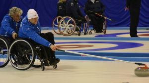 Markku karjalainen kastar, Vesa Leppänen håller i stolen