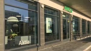 en banklokal utifrån