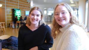 Wilma Andreasen och Paulina Haarala.
