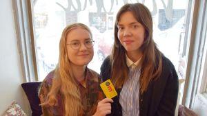 Vanessa Forstén och Hanna Arhippainen
