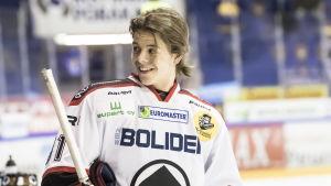Jesperi Kotkaniemi är glad under en ligamatch mot Jukurit i februari 2018.