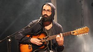 Prince of Assyria spelar gitarr