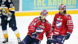 Matti Lamberg och Sebastian Moberg här i HIFK:s tröja i en match mot Blues.