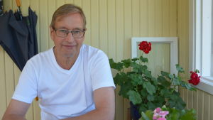 Kjell Wennström tittar in i kameran.