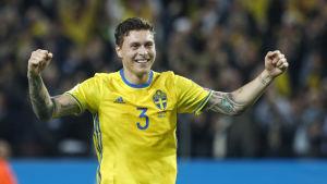 Victor Nilsson Lindelöf i Sveriges tröja.