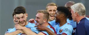 West Ham-spelarna firar Declan Rices 3–1-mål mot Watford