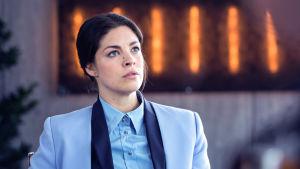 Karaktären Claudia i dramaserien Bedrägeriet.