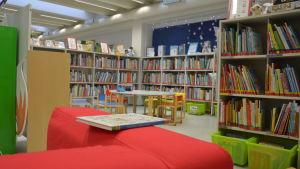 bibliotek i S:t Karins