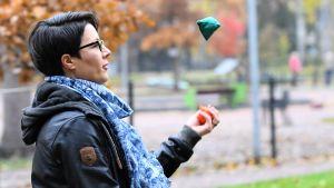 Vanja Radic jonglerar.