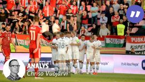 Finland jublar efter ett mål mot Ungern.