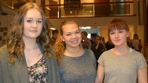Emilia Broman, Fanny Ingman och Jenny Illman från Ekenäs gymnasium.