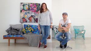 Julia Ingo och Christoffer Relander är två av dem som arbetar på Spinneriet i Ekenäs.