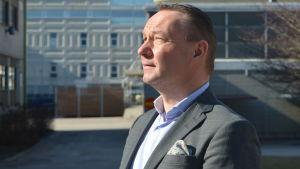 Johan Johansson är ordförande för Stiftelsen för det tvåspråkiga Finland.