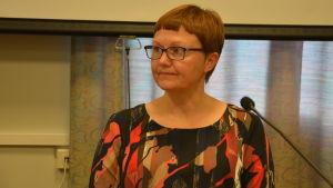 Anneli Pahta i fullmäktigesalen 27.9.2016.