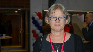 Birgitta Gran på Vänsterförbundets parftimöte i Kuopio.