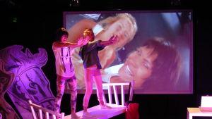 """""""Fantomens lillasyster"""", en pjäs om mobbning, sattes upp på Wasa Teater hösten 2012."""