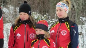 ÖSK:s Emma Äbb, Minna Skreslett och Josefina Sundman tog brons i FSSM i D16-klassens stafett.