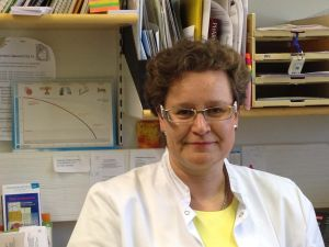 Johanna Anttila-Bondestam arbetar som hvc-läkare i Munksnäs i Helsingfors.
