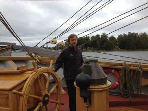 Allan Palmer är kapten på briggen Tre Kronor