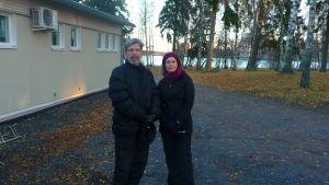 Tapio Osala och Outi Nejman är intresserade av vinterbad