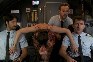 Hugo Silva, tunnistamaton nainen, Javier Cámara ja Antonio de la Torre elokuvassa Matkarakastajat