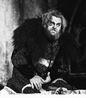 Martti Talvela Boris Godunovin roolissa vuonna 1975.