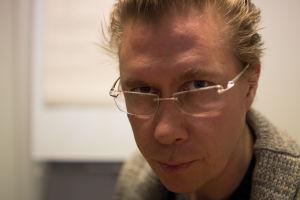 Esa Leskinen pitää virkavapaata Ryhmäteatterin johtamisesta.