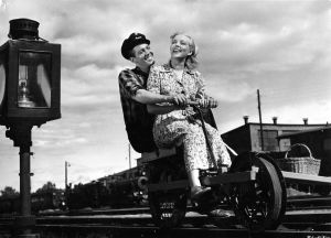 Ote elokuvasta Ratavartijan kaunis Inkeri (1950).