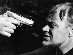 Ote elokuvasta Hopeaa rajan takaa (1963).