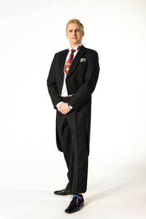 Janne Grönroos med inkorrekt klädsel inför slottsbalen