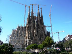 Sagrada Familiaa rakennetaan