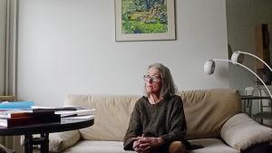 Klara Ekstam lider av Parkinsons sjukdom. Blev spelberoende pga medicin.