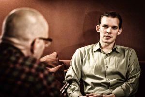 Marko Hietikko intervjuar Esa Holappa.
