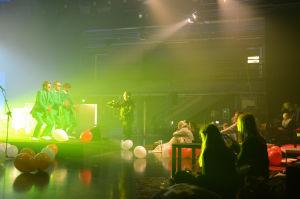 Succémorgons femårsfest  & humorgruppen KAJ