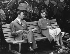Matti Oravisto ja Harriet Andersson elokuvassa Täällä alkaa seikkailu (1965).