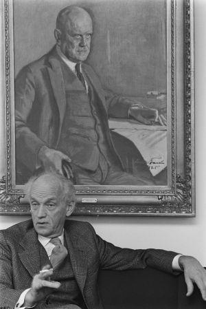 Säveltäjä, pianisti Einar Englund Finlandia-talon solistihuoneessa. (1976)