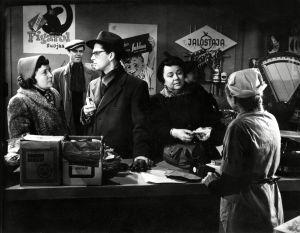 Kohtaus elokuvasta Kolmiapila (1953).