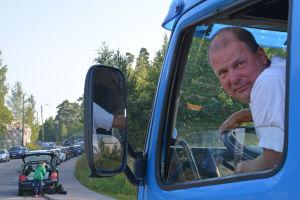 Tom Malmberg och en lång bilkö.