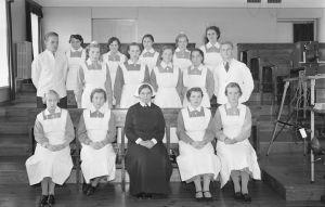 Lapinlahden sairaalan hoitohenkilökunta yhteiskuvassa syyskuussa 1938.
