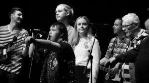 Kuvassa Ville-Veikko Airaniemi, Joel Bonsdorff, Toni Välitalo, Amelie Blauberg ja Pertti Kurikka