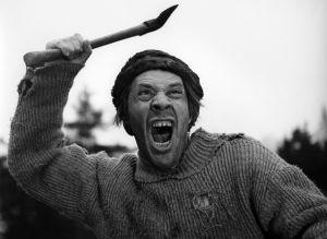 Topi (Holger Salin) elokuvassa Punainen viiva (1959).