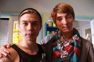 Emmin synttäribileet. Karri ja Rasmus kaverikuvassa.