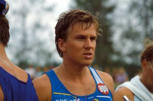 Triathlonisti Magnus Lönnqvist vuonna 1988.