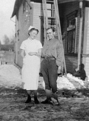 Sairaanhoitaja ja sotavanki. (1941)