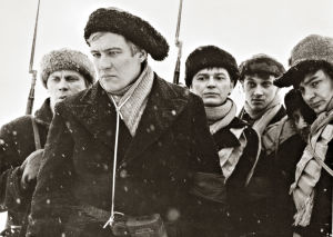 Eero Keskitalo, Aarno Sulkanen, Paavo Pentikäinen, Pekka Autiovuori ja Kari Franck elokuvassa Täällä Pohjantähden alla (1968)